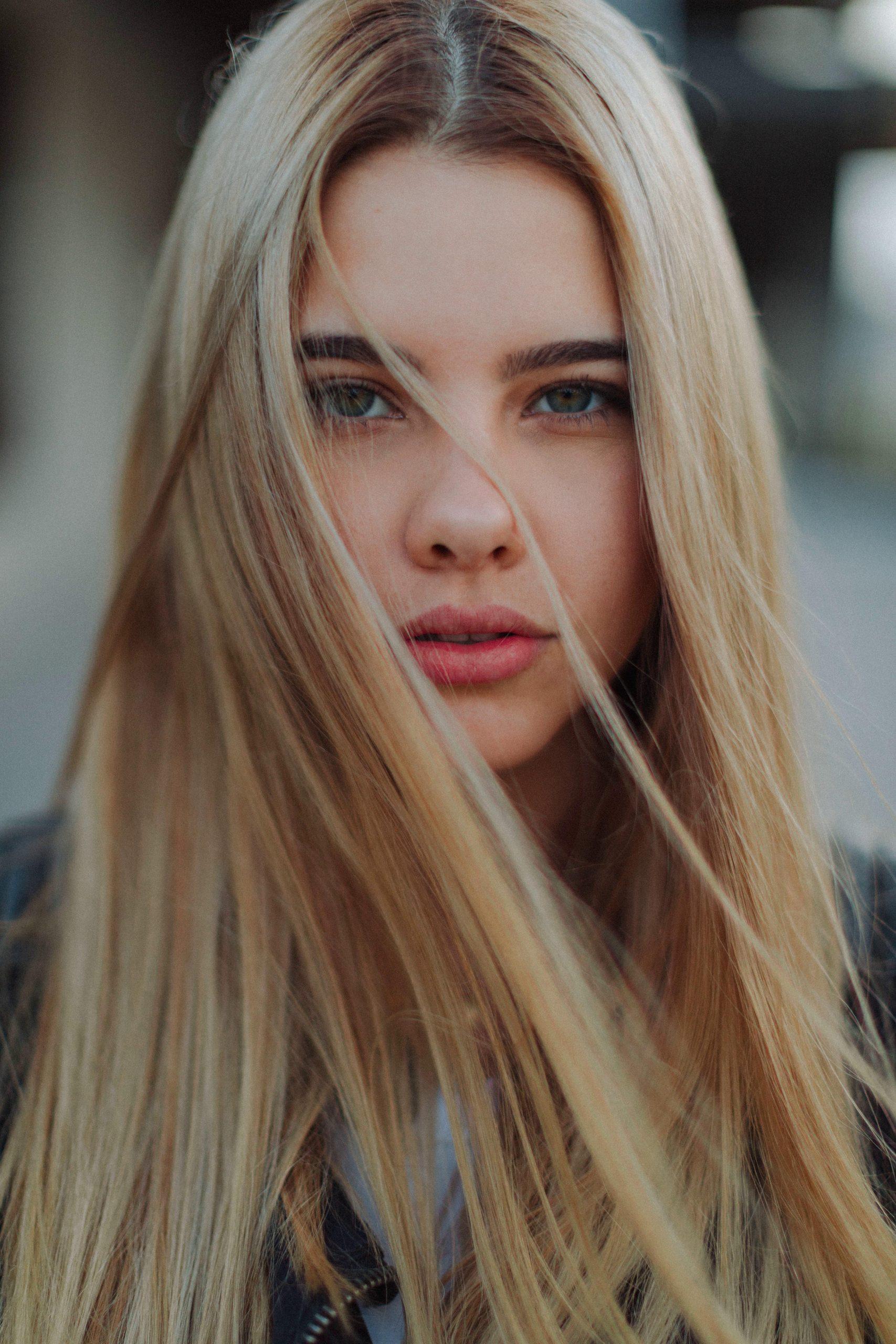 7-portrait-blogger-before