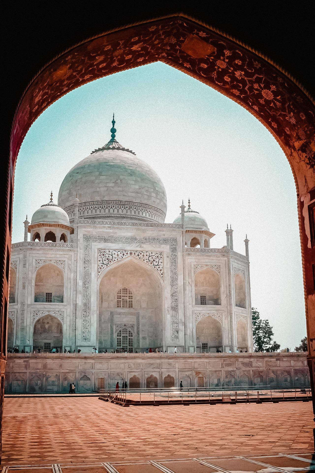7-travel-blogger-before